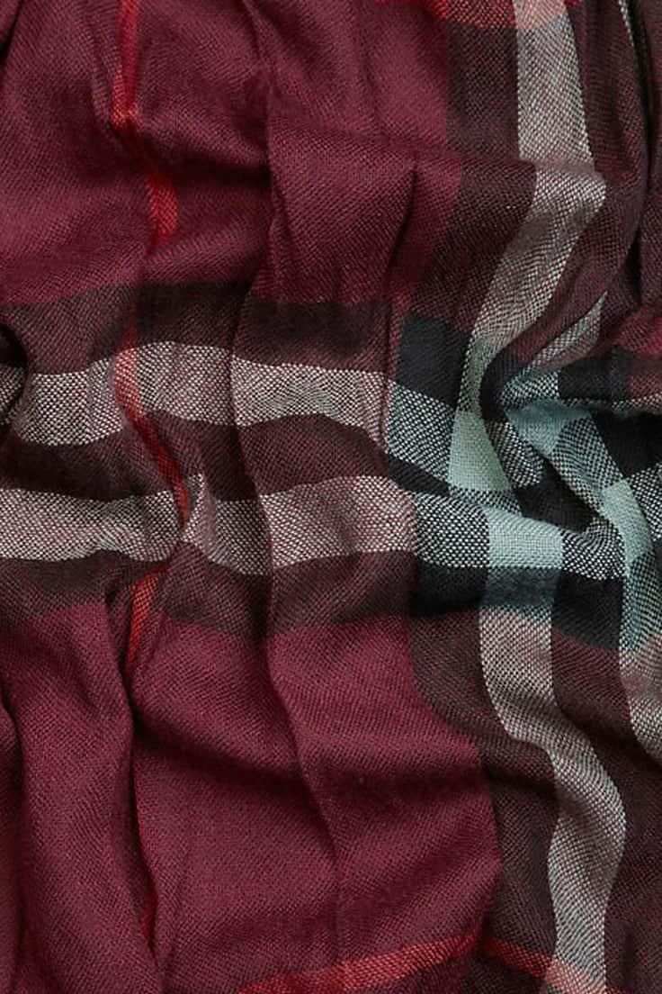 cores-quentes-inverno-mesa-toalha-xadrez
