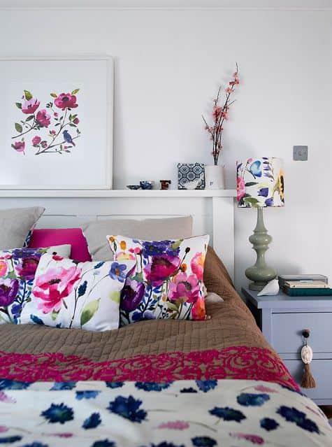 almofadas-flores-cama